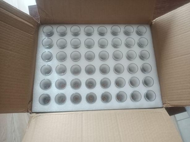 Szklane buteleczki z korkiem