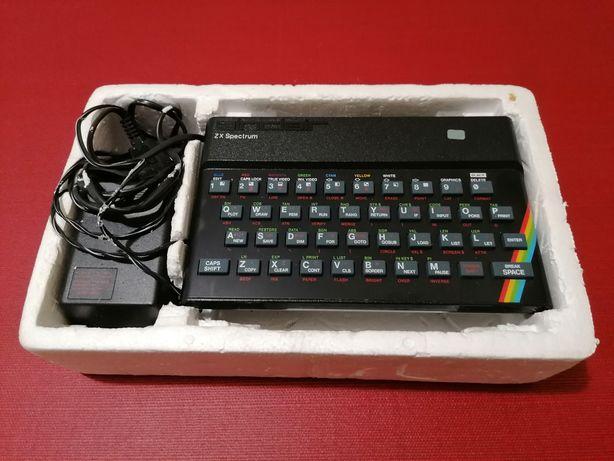 ZX Spectrum na caixa de esferovite