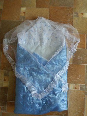 Конверт одеялко на выписку .В отличном состоянии .