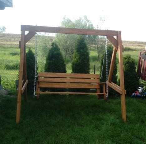 huśtawka drewniana ogrodowa