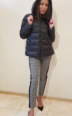 Курточка-пуховик с капюшоном черного цвета Франция