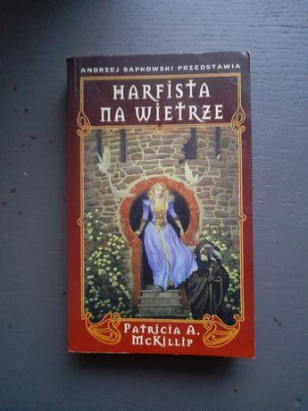 """Partricia A. McKillip """"Harfista na wietrze"""""""