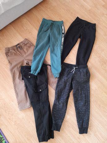 Komplet spodni chłopięce 128/134 cm gratis bluza