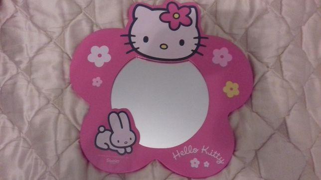 Piekne lustro Hello Kitty dla dziewczynki