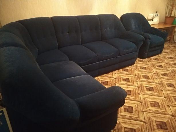продам угловой диван + кресло бу