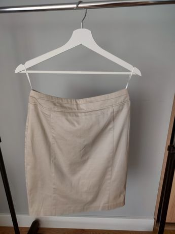 Beżowa spódnica, 36