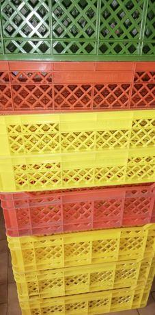 Caixa de plástico resistente, várias cores