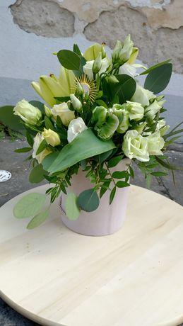 Flowerbox na komunie - welurowe pudelka-cudowne dekoracje