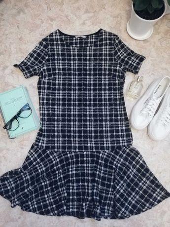 Модное платье с воланами внизу