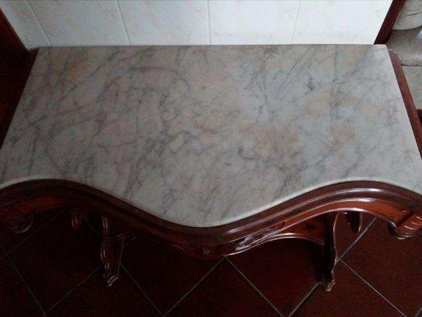 Móvel de cerejeira de origem, com pedra marmore. Otimo estado