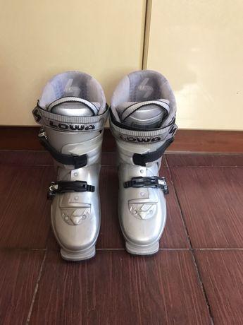 Горнолыжные ботинки Lowa