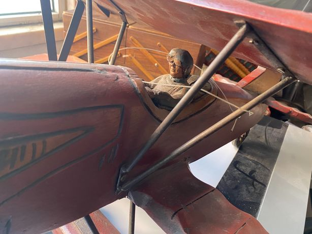 Avião madeira vintage