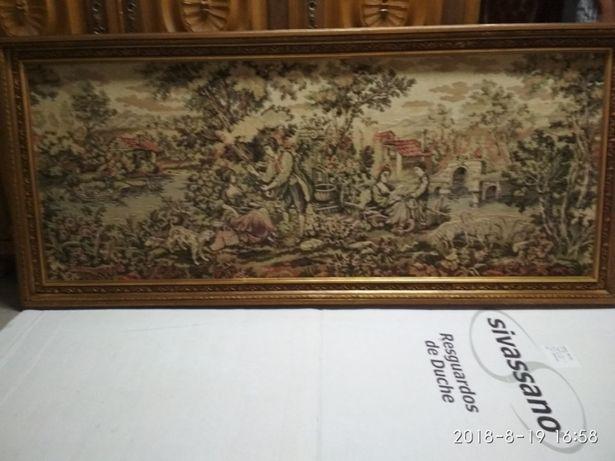 Quadro com tapeçaria