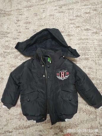 Продам новую куртку на теплую зиму,на мальчика,рост 104 см