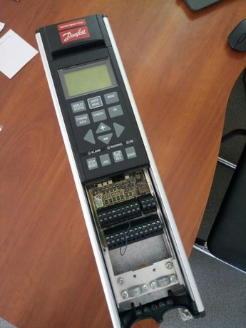 Danfoss VLT5003 частотный преобразователь 2.2квт Б/У