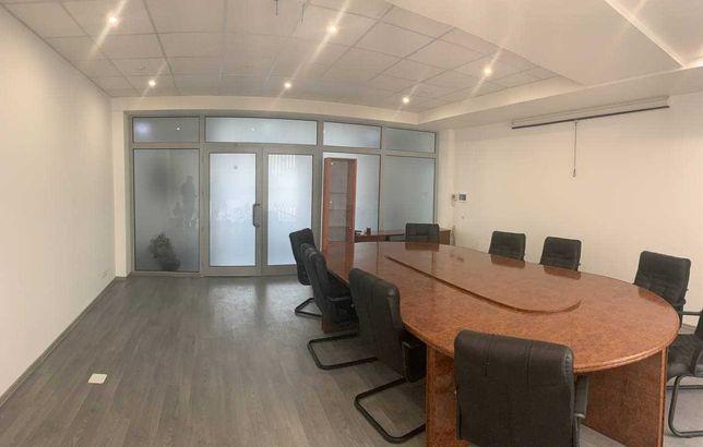 """Оренда офісного приміщення 27 м.кв. на Грушевського. ТЦ """"Палладіум"""""""
