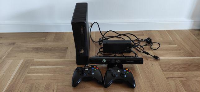 Xbox 360 + 2 x Pad + Kinect + Gry