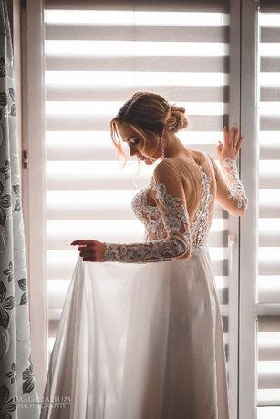 Suknia ślubna z długim rękawem Avenue22