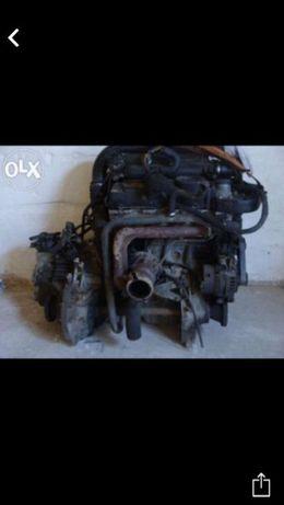 мотор ( двигатель) головка мотора, сцепление, демфир вито,спринтер