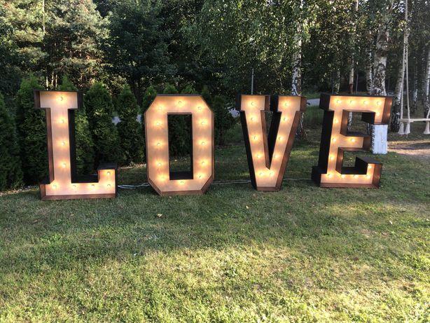 Napis do wynajecia na wesele LOVE