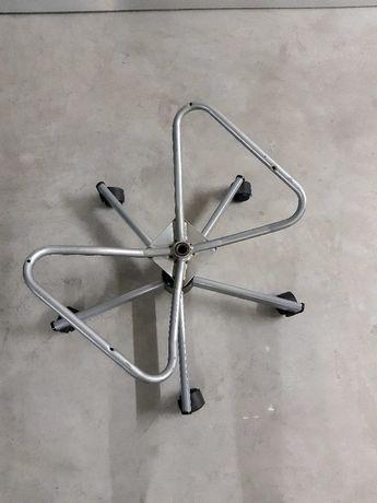 Base com rodas de cadeira