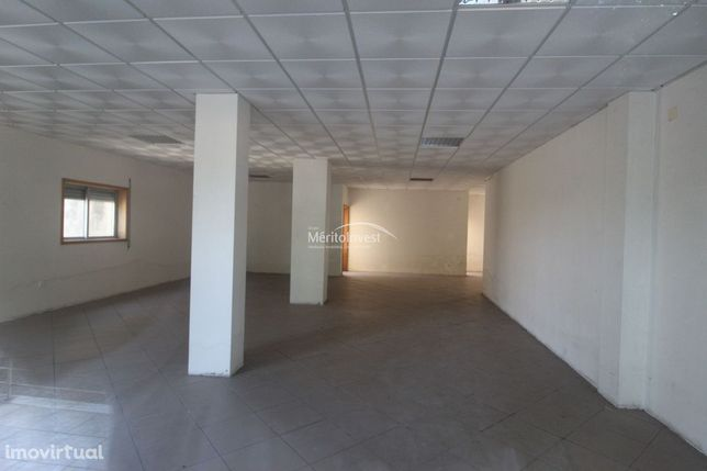 Loja com viabilidade de comércio e serviços, junto ao centro da Trofa