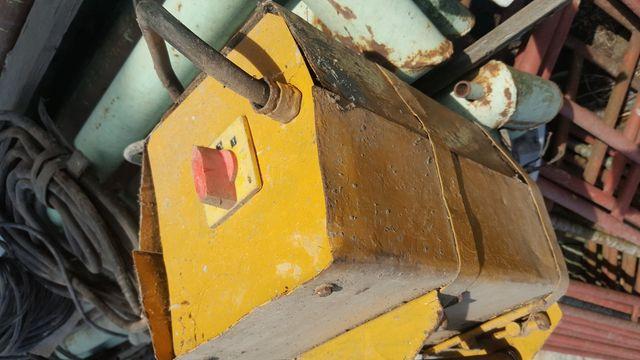 Wibrator na budowę