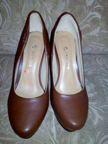 Туфли на танкетке Girnaive коричневые 41 размер