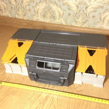 Удобный чемоданчик Tonka для игры и хранения машинок Garage