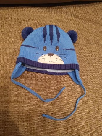 Зимняя шапка на мальчика до 1 года