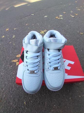Зимние кожаные кроссовки с мехом Nike Air Force 1 High White Winter