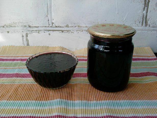 Домашнее варенье из ягод черной бузины.