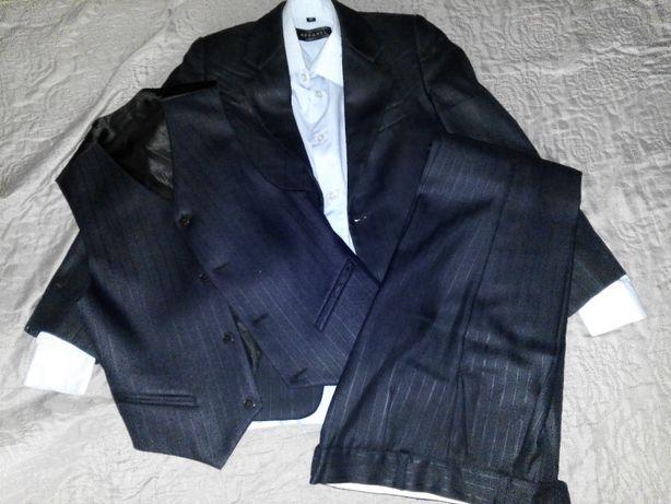 Школьная форма мальчику 8-9 лет, пиджак, брюки, жилет и рубашка