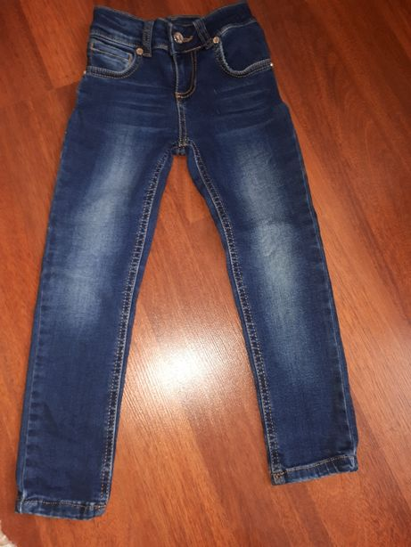 Какие джинсы для мальчика 4-х лет.