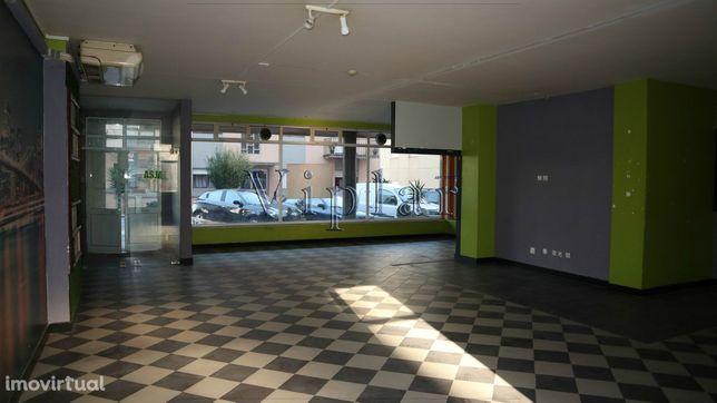 Loja com 132 m² - Porto - Valongo (Ermesinde)