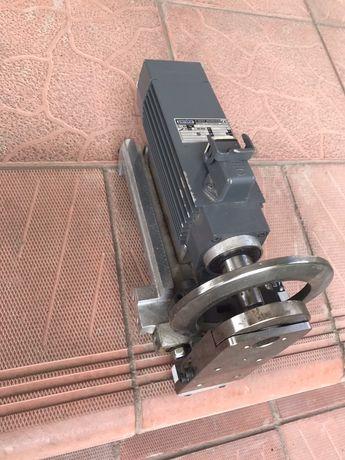 Электродвигатель для деревообрабатывающих станков с программным управ.