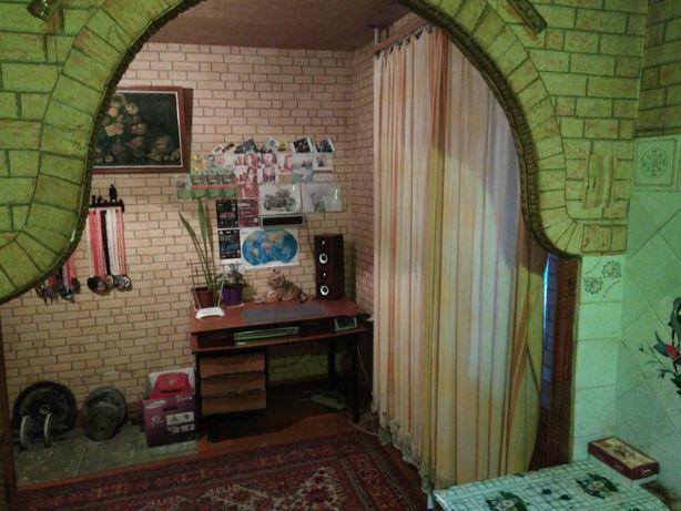 Продам 3-х комнатную квартиру в Лозовой