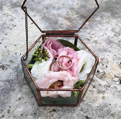 Шкатулка скринька для колец обручальных свадебный декор кольцо золотое