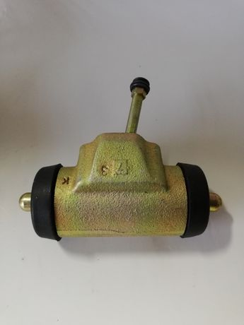 Cylinderek hamulcowy Prawy Zetor fi32