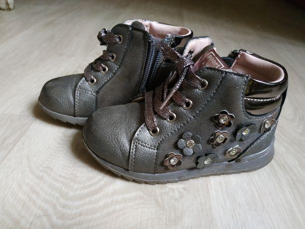 Продам дитячі ботиночки