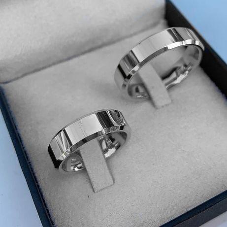 Elegancka Para Fazowanych Srebrnych Obrączek Ślubnych