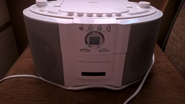Radiomagnetofon CD MP3 USB sprzedam