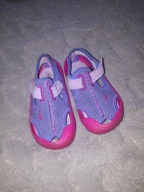 Nike sandały 22