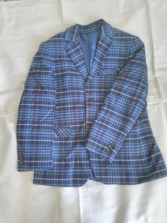 Продам пиджак на мальчика