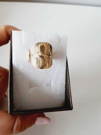 Szeroki złoty pierścionek,  złoto 333, płaski,  szlifowany, efektowny!