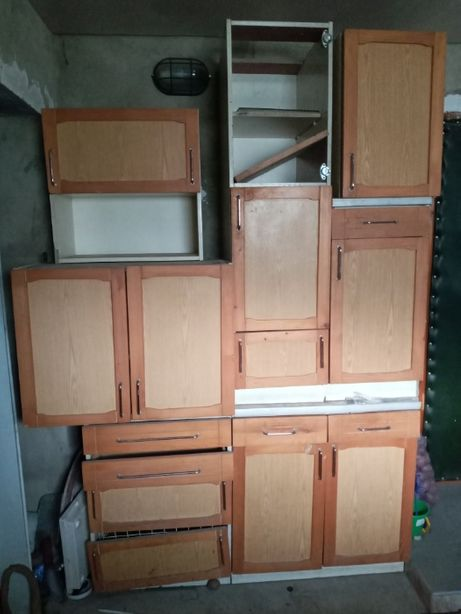 Кухня, требующая ремонта