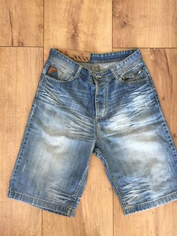 Młodzieżowe , chłopięce krótkie spodnie r,30