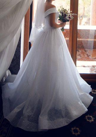 Свадебное платье (коллекция 2019), очень красивое и удобное!! 10.000р