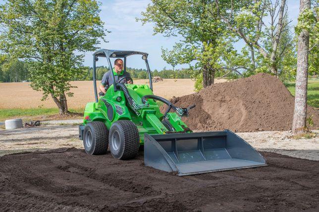 Prace ziemne, równanie terenu, zakładanie trawników, AVANT 635