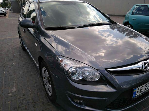 Продам свой а/м Hyundai i-30 2011. 100 тыс. Официал. Автомат. Дизель.
